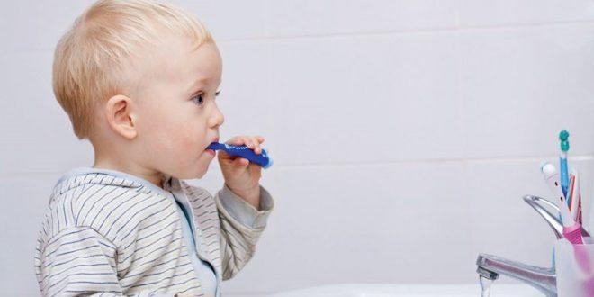 çocuklarda diş fırçalama