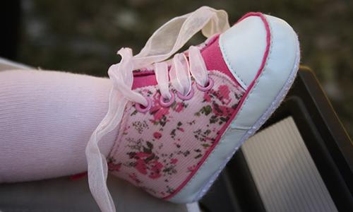 bebeklere özel ayakkabılar