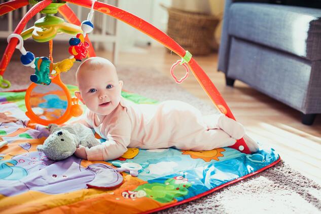 bebeklerde oyun