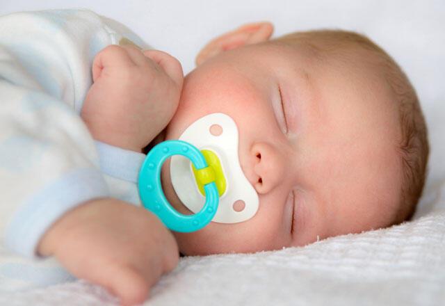 bebek ve çocuk emzik bırakma