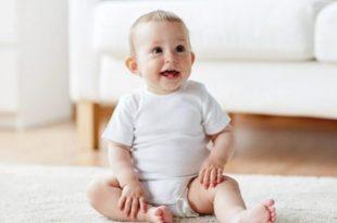 bebeklerde desteksiz oturma